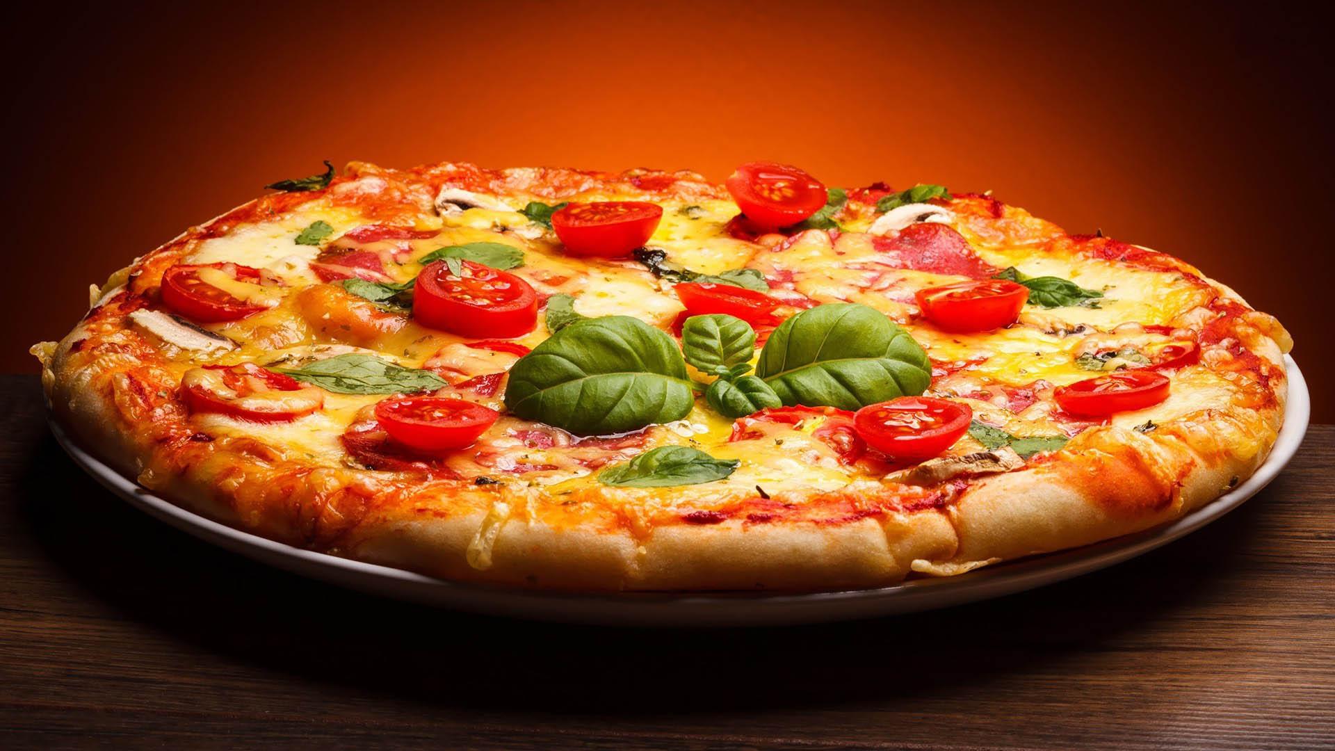 Znalezione obrazy dla zapytania pizza